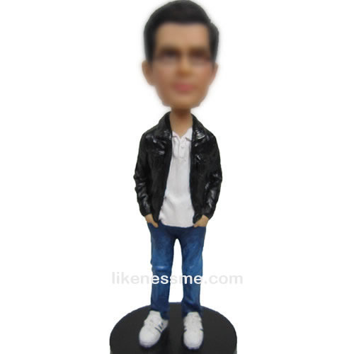 bobbleheads of blue jeans